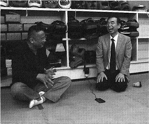 対談での二人の会話は弾み、やがて多神教崇拝をするようになり、礼の文化を育んできた日本の歴史的見地に基づく内容にまで及んだ。