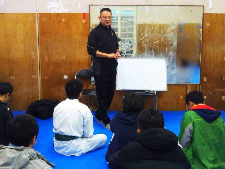 小沢首席師範による「認知」という角度から、誰でも強くなれる理論を明かした普段の座学講習の内容をベースに講習